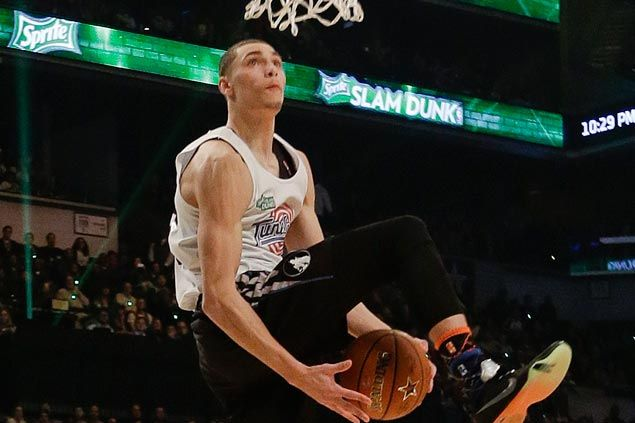 Zach Lavine out for the season with torn ACL