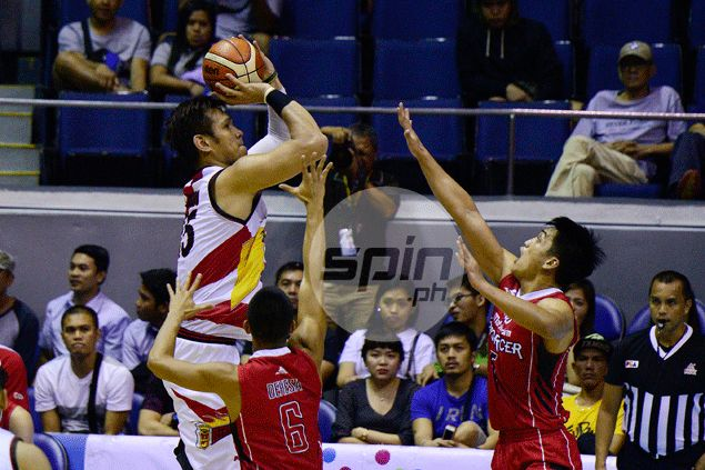 June Mar Fajardo jokes on being SMB's point-center: 'Baka mawalan ng trabaho mga point guard namin'