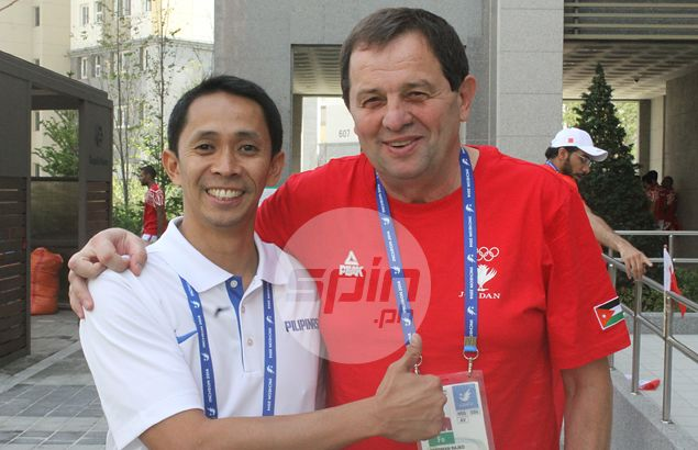 Castro in a rush to bring home players' passports in time for Gilas departure for Incheon