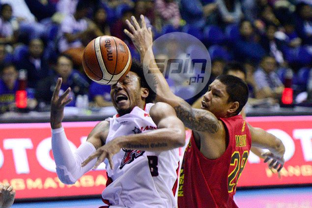 Calvin Abueva not after individual plays, more concerned about Alaska reaching the finals