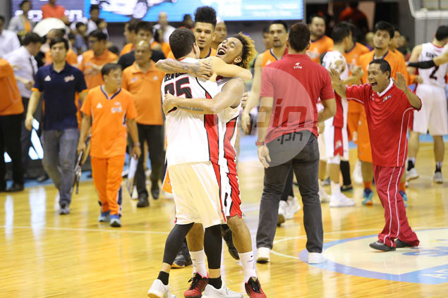 Alaska holds off Meralco, sets up PBA Finals face-off against Rain or Shine