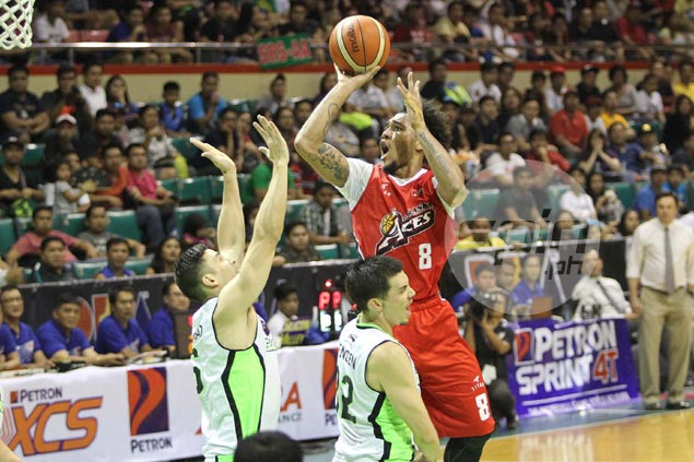 Alaska fends off shorthanded GlobalPort behind career performance from Calvin Abueva