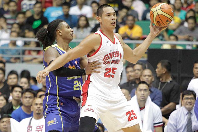 Ginebra veteran Helterbrand raves about 'monster games' of Aguilar and Slaughter