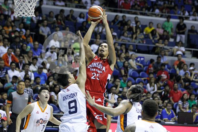 Aguilar turns from hero to zero after letting Emmet score Meralco's winning basket over Ginebra