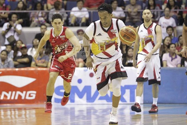 Alex Cabagnot cites backourt partner Chris Ross as San Miguel's unsung hero in Game Two win