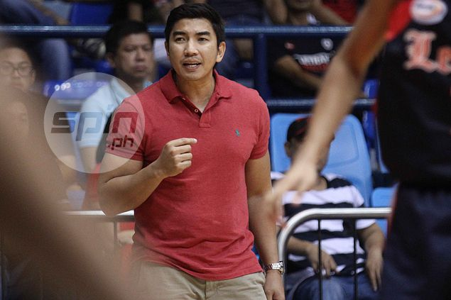 Unconventional coach Ayo wants Letran to thrive in organized confusion: 'Gusto namin magulo'