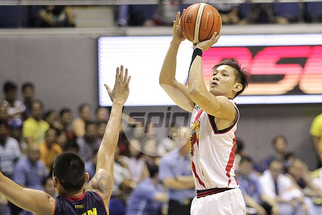 Real Alex Cabagnot shows up as veteran SMB guard notched up his game for a fitting semifinals start