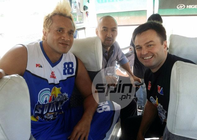 South coach Compton ribs Taulava: 'I think this is first time an All-Star starter is older than his coach'
