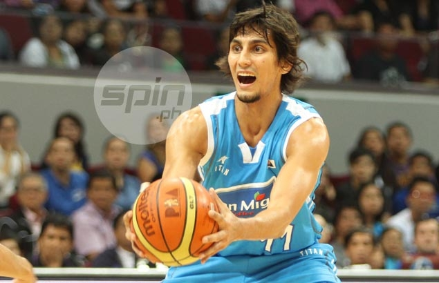 Marc Pingris given week off, Alex Mallari benched in Star tune-up for coming in late