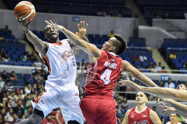In-form Meralco withstands Alaska last-ditch comeback to stay unbeaten