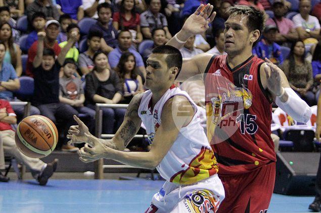 Raymond Almazan embraces unenviable task of trying to stop SMB giant June Mar Fajardo