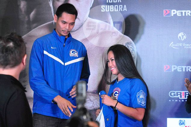 After Ronny Turiaf, it's turn of Japeth Aguilar to be a 'towel boy' in Ana Julaton's corner