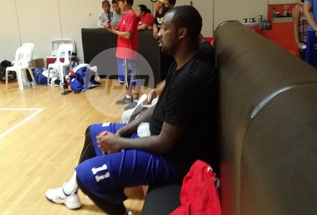 Andray Blatche suffers injury in Gilas practice, keeps fingers crossed ahead of check-up