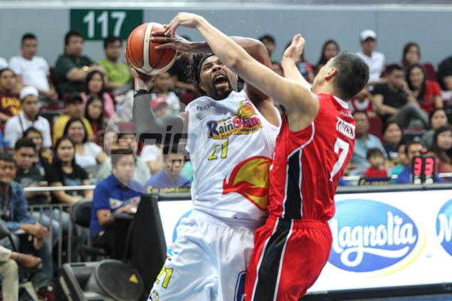 Yeng Guiao demands leadership from Antoine Wright, admits weighing import change