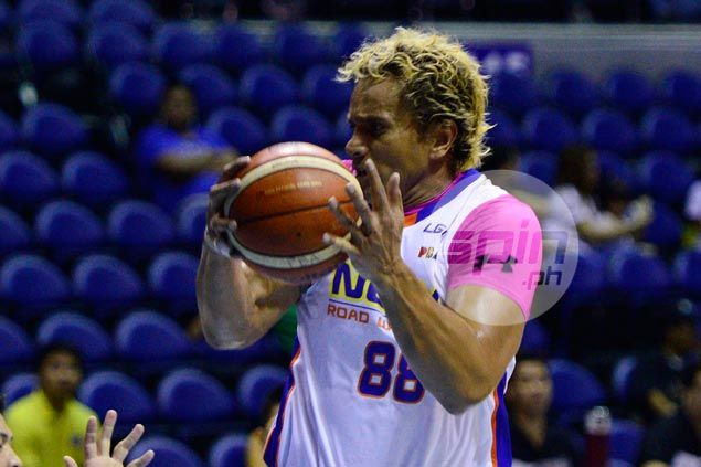 Asi Taulava on bad fall, sub-par effort vs Alaska: 'My back's fine. It's my ego that's hurting'