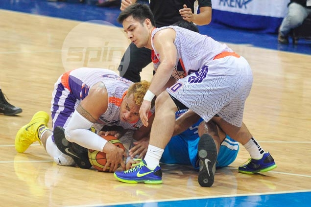 Timely Pingris heroics help San Mig break duck with double OT win over Air21