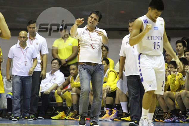 UST coach Dela Cruz refuses to dwell on controversial calls late in loss to Ateneo