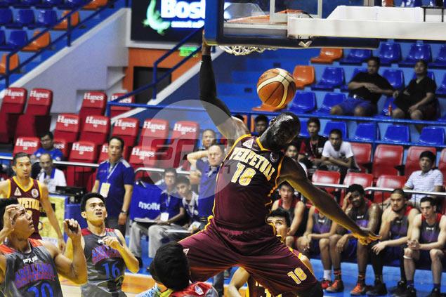 Akhuetie, Perpetual dominate Arellano to grab solo lead in Filoil Cup