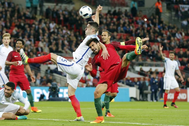 England nips 10-man Portugal to cap off preparations for Euro 2016