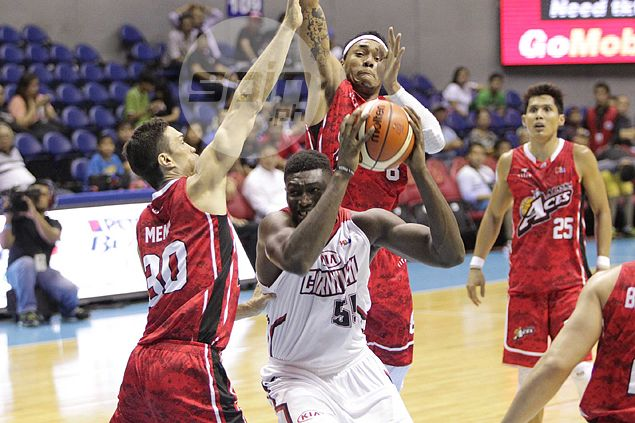 Alex Compton raves about Calvin Abueva's efficient effort: 'I thought it's phenomenal'