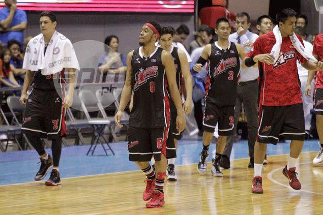 James Yap quick to shrug off hit from Calvin Abueva: 'Buti na lang matigas katawan ko'