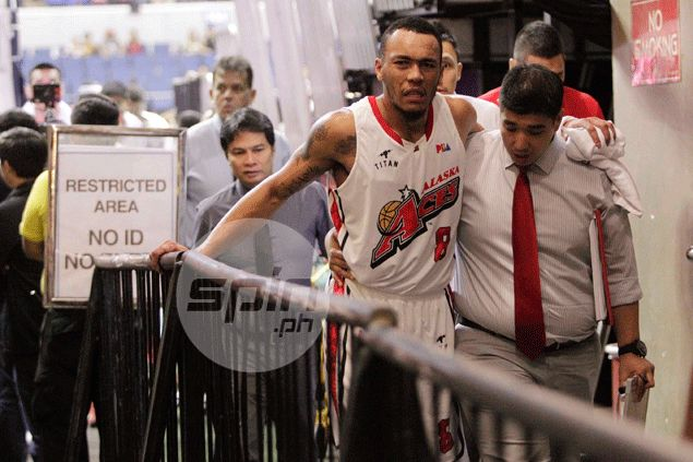 Alaska injury jinx strikes again as Calvin Abueva hurts ankle not once but twice