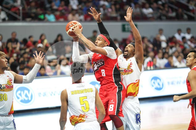 Defense-oriented Alaska unleashes full offensive arsenal in dismantling Rain or Shine