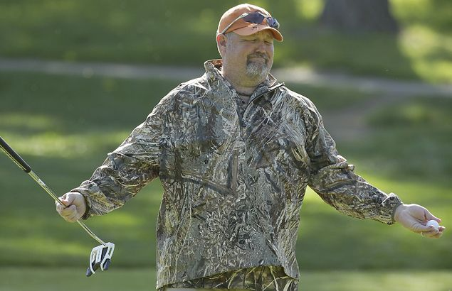 Daniel Lawrence 'Larry' Whitney, better known as Larry the Cable Guy, play to the crowd.