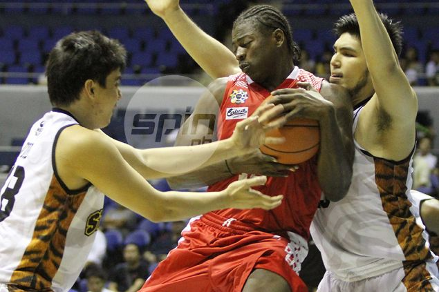 UE Red Warriors prey on Karim Abdul-less UST Tigers to end four-game UAAP losing streak