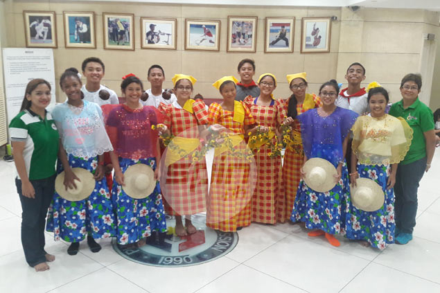 Pinoy athletes turn heads with folkdance presentation in cultural show of Children