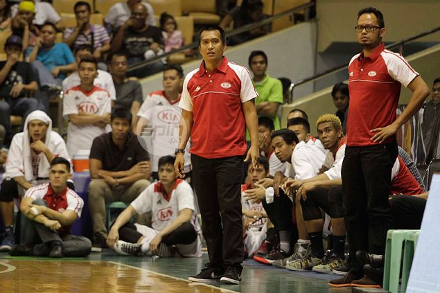 KIA stand-in coach Chito Victolero says import PJ Ramos can't do it alone, needs help from locals