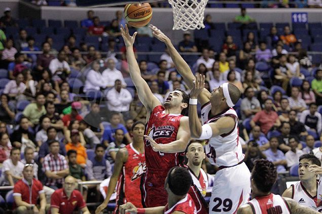 Alaska extends misery of San Miguel Beer as Hontiveros, Banchero spark comeback