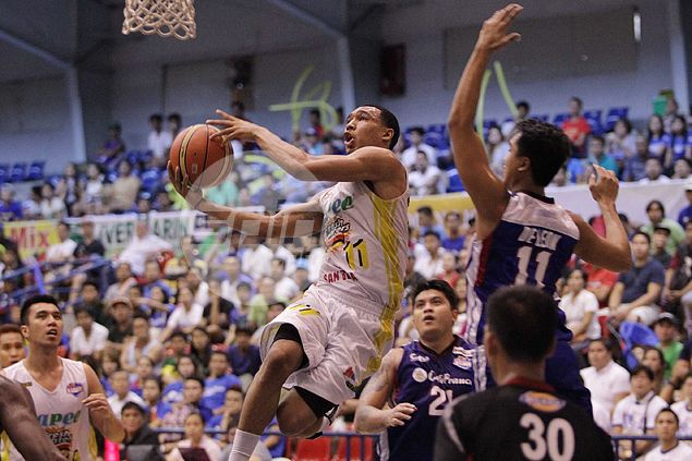 Hapee's personnel woes gives PBA-bound Chris Newsome a chance to showcase wares