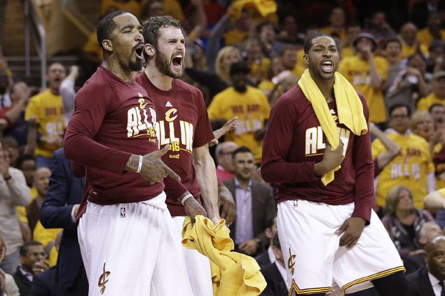 Despite record performance, LeBron James insists Cavs 'not a three-point shooting team'