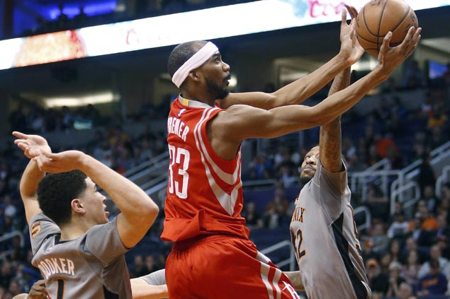 Houston survives scare from Phoenix as costly turnovers in closing seconds sink Suns to sixth loss in a row