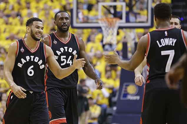 Kyle Lowry, Raptors cruise past Pacers to regain homecourt edge