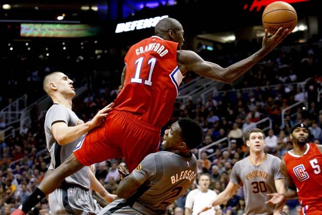 Knight, Suns rise as LA Clippers play without Paul and Reddick, lose Griffin