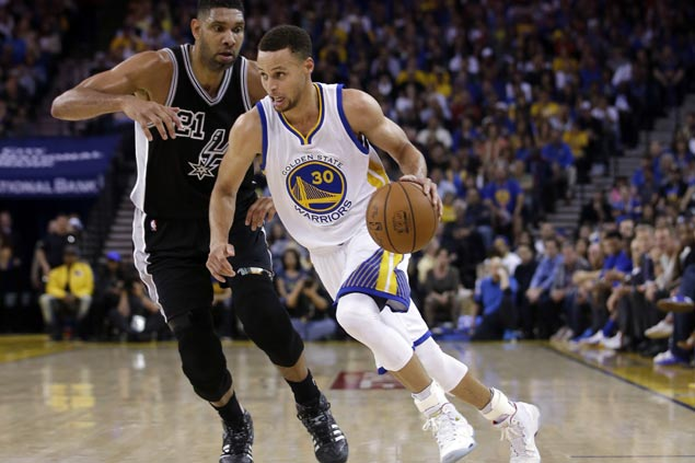 Golden State Warriors reach 70 wins with wire-to-wire romp over San Antonio Spurs