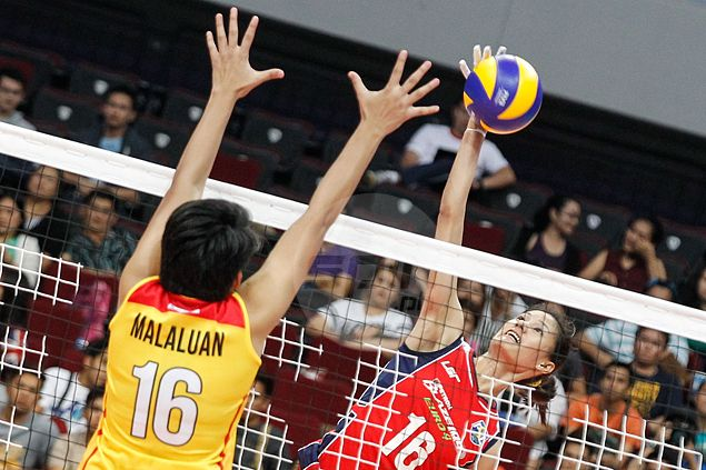 Dindin Santiago-Manabat named first-ever Super Liga Player of the Week