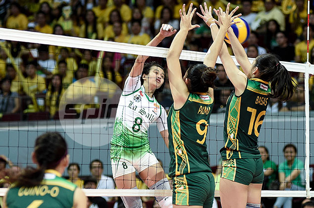 Studies, knee injury keep Ara Galang from committing to join La Salle teammates in PSL