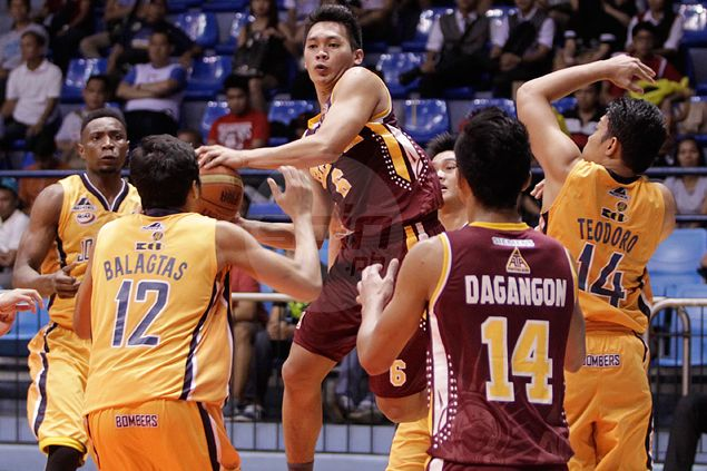 One 'off night' should not stop Earl Thompson from becoming MVP,  says Altas coach Aric del Rosario