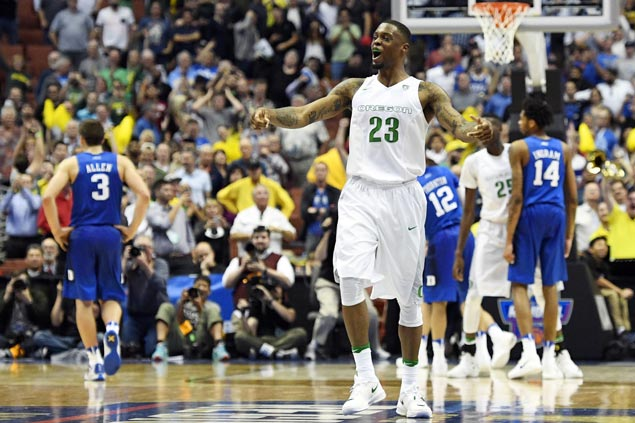 Oregon one step closer to Final Four as Ducks dethrone Duke Blue Devils and advance to Elite Eight