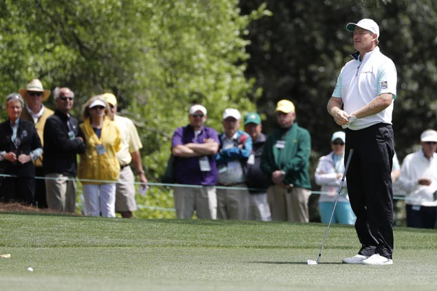 Ernie Els struggles with worst-ever score at the first hole of the Masters