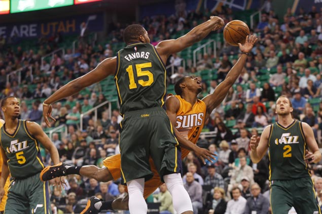 Utah's stingy defense holds Phoenix to season-low 69 points as Jazz stretch win streak to four