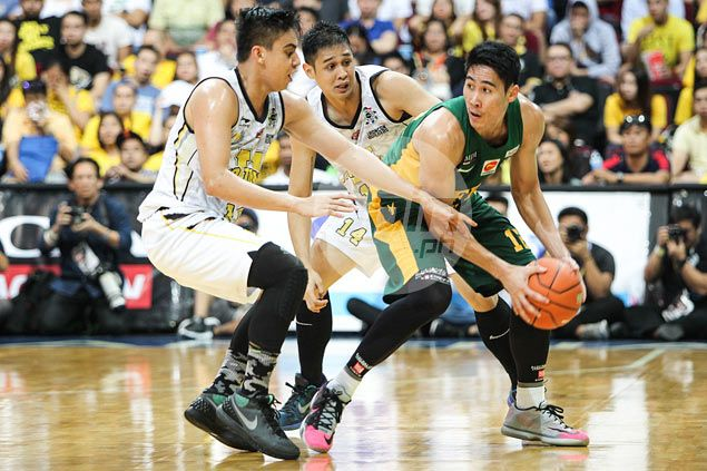 Can FEU Tamaraws finish off Tigers in Game Two? Racela not getting ahead of himself