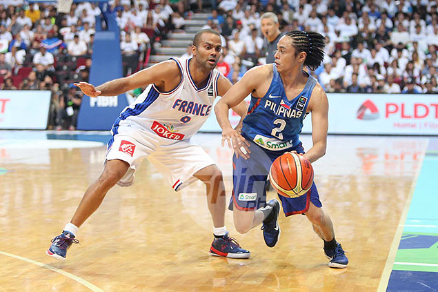 Ex-Gilas skipper Alapag proud to see Romeo, Castro not back down against Parker and Co.