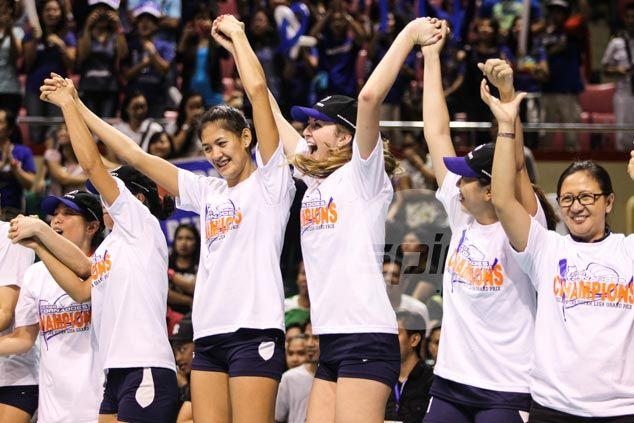 Dindin Santiago finds solace in seeing sister Jaja celebrate first Super Liga title