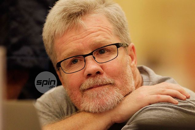 Freddie Roach certain Manny Pacquiao will knock out 'old, washed-up' Mayweather