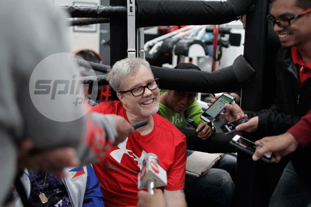 Freddie Roach forced to skip Trainer of Year awarding, but counts on Pacquiao promise