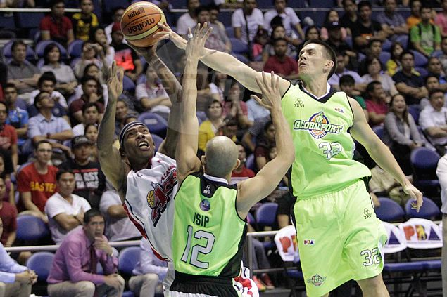 Journeyman Gabby Espinas feels at home as he joins SMB team that drafted him in 2006